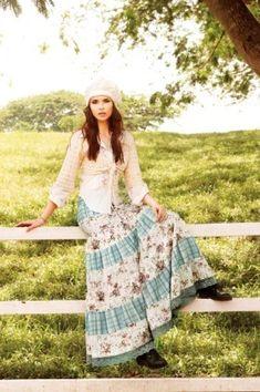lovely and sweet prairie skirt. Modest Dresses, Modest Outfits, Skirt Outfits, Modest Fashion, Dress Skirt, Boho Fashion, Dress Up, Modest Clothing, Maxi Skirts
