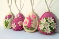 Felt easter decoration - ivory and pink felt eggs with flowers/ set of 4 Listing is for 4 ornaments Handmade from wool blend felt and wool felt Color combination of soft pink shades of wool blend felt and ivory off-white wool felt. Size of my decorated eggs is about 2 1/8 x 2 5/8 inch (5,3 x 6,5 cm) This is size of felt egg without hanging loop