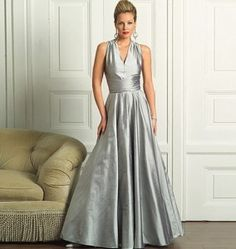What does the back look like?  Love the full skirt and waist.