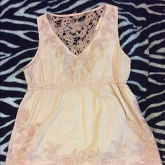"""JUST IN HOST PICKForever 21 Top - Size L Lovely top!! By """"twenty one"""".  Pale blush color. V-neck with beautiful lace detail on the back. Top is sleeveless and gathers below the bust. Size L. Forever 21 Tops"""