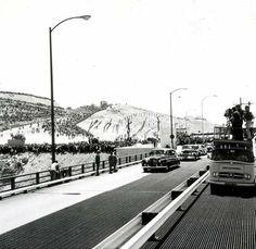 """Inauguração da Ponte sobre o Tejo """"Ponte Salazar"""""""