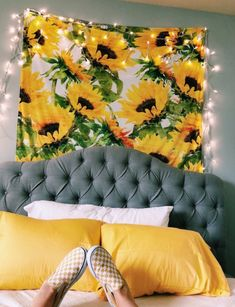 Room Decor For Teen Girls, Diy Room Decor For College, Aesthetic Room Decor, Retro Home Decor, Dream Rooms, Living Room Inspiration, My New Room, House Rooms, Living Rooms