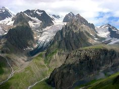 Kaukasus im Georgien Reiseführer http://www.abenteurer.net/1666-georgien-reisefuehrer/