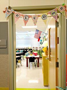 welcome bunting Tunstall's Teaching Tidbits: Classroom Tour Classroom Layout, Classroom Setting, Classroom Design, Classroom Displays, Kindergarten Classroom, Classroom Themes, School Classroom, Classroom Organization, Classroom Management