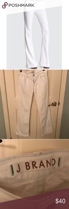 J Brand White Flare Jeans J Brand White Flare Jeans 🌟 Bundles accepted! 🌟 Offers accepted! 🌟 15% off 2+ items ❌ PayPal ❌ trades J Brand Pants Boot Cut & Flare