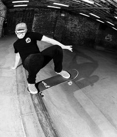 Friend of the foundry @nicksherman shredding in his Ohno tee at the @nikesb Garage in Brooklyn.  Who is more chill than Nick? Photo by @mehringsbearings. #nikesbgarage by ohnotypeco