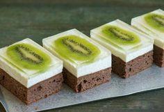Kiwi zákusok Baking Recipes, Cake Recipes, Dessert Recipes, Romanian Desserts, Sweet Cookies, Cake Bars, Hungarian Recipes, Sweet Tarts, Food Cakes