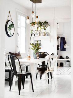 [Beautiful black and white dining room Scandinavian Interior Design, Interior Design Kitchen, Interior Decorating, White Dining Room, Wainscoting Styles, Wainscoting Bathroom, Wainscoting Height, Black Wainscoting, Painted Wainscoting
