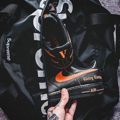 uk availability 41acd 91e7c hypefeet Packing heat. Photo willy. ness · Shoes · Nike Air Force 1 ...
