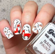 "Hannah 💅 en Instagram: ""Winter foxes! 🦊 ❄️ 🌲 Inspired by another cute print I found on @society6"""