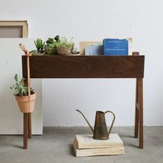 【10月中旬完成】Planter Best Interior, Interior Ideas, Entryway Tables, Planters, Shelves, The Originals, Green, Room, Furniture