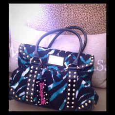 Flash sale ! Betsey Johnson Purse Black patent trim and handles Betsey Johnson Bags