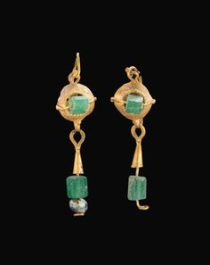 Ancient Jewels and Jewelry — Roman gold and glass earrings, c. Byzantine Jewelry, Renaissance Jewelry, Medieval Jewelry, Ancient Jewelry, Antique Jewelry, Vintage Jewelry, Gold Jewelry, Byzantine Gold, Roman Jewelry