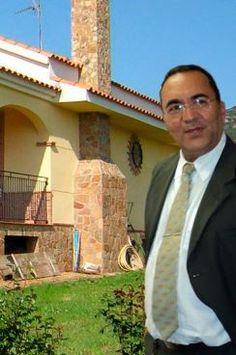 A barriguda está florida – Por Dr. Paulo Lima* http://www.jornaldecaruaru.com.br/2015/11/a-barriguda-esta-florida-por-dr-paulo-lima/