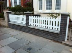 3 Awesome Cool Tips: Modern Fence For House Front Yard Fence Wall.Fence Ideas Using Lattice. Brick Fence, Concrete Fence, Front Yard Fence, Farm Fence, Bamboo Fence, Fenced In Yard, Cedar Fence, Fence Stain, Redwood Fence