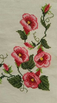 Trendy ideas for crochet rug chart cross stitch Easy Cross Stitch Patterns, Small Cross Stitch, Cross Stitch Rose, Cross Stitch Borders, Crochet Stitches Patterns, Cross Stitch Flowers, Cross Stitch Charts, Cross Stitch Designs, Cross Stitching