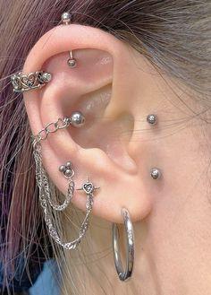 Ear Jewelry, Cute Jewelry, Jewelery, Jewelry Accessories, Funky Jewelry, Ohrknorpel Piercing, Septum Piercing Jewelry, Piercings Bonitos, Pretty Ear Piercings