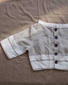 Saree Blouse Patterns, Saree Blouse Designs, Saree Jackets, Linen Blouse, Cotton Blouses, Designer Dresses, Cute Outfits, Minimal, Mens Tops