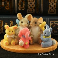 NIB 88/147 Charming Tails Easter Every Bunny Needs Friends