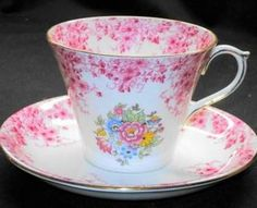 SHELLEY PINK PERTH DAISY CROCHET TEA CUP AND SAUCER