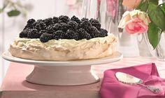 Brombeer-Pavlova Rezept: Eindrucksvolle Torte mit Brombeeren für besondere Anlässe wie die Hochzeit oder einen runden Geburtstag - Eins von 5.000 leckeren, gelingsicheren Rezepten von Dr. Oetker!