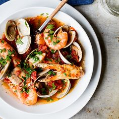 Cioppino is an Italian-American seafood stew first developed in San Francisco in the late Originally made by Italian fisherman who had settled in the region, it was crafted directly on fishi… Irish Stew, Seafood Gumbo, Seafood Dinner, Seafood Boil, Seafood Soup Recipes, Fish Recipes, Mussel Recipes, Sauce Recipes, Recipes