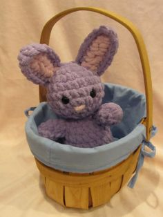 2000 Free Amigurumi Patterns: Easter Bunnies