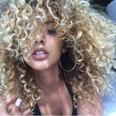 The Uncomfortable Trump' Weave Hairstyles, Pretty Hairstyles, Hair Inspo, Hair Inspiration, Curls Rock, Curly Hair Styles, Natural Hair Styles, Hair Flip, Hair Game