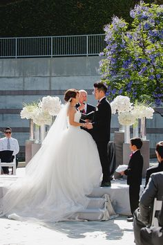 white wedding ceremony - Melvin Gilbert Photography
