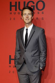 Edward Norton wearing #HUGO on the red carpet at the #HUGO Fashion Show Fall 2013. Awesome shade of grey.