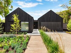 Suffolk House, Side Yard Landscaping, Modern Barn House, Dutch House, Shed Homes, Dream House Exterior, The Design Files, House Extensions, Facade House