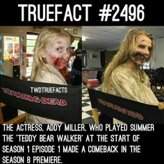 The actress who played the teddy bear girl in the first episode of The Walking Dead made a return in the season premiere for the hundredth episode Walking Dead Facts, Walking Dead Show, Walking Dead Funny, Walking Dead Zombies, Fear The Walking Dead, The Walk Dead, Twd Memes, Dead Inside, Film Serie