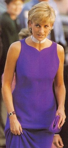 June Princess Diana at a Gala Dinner at The Field Museum Of Natural History in Chicago, IL. Royal Princess, Prince And Princess, Princess Of Wales, Prinz Charles, Diana Williams, English Royal Family, Diana Fashion, Lady Diana Spencer, Beautiful Person