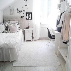 Determining just how to make a little girl's bedroom something unique for her to live and take haven in isn't very easy. These are 25 bed rooms full of delightful concepts for decorating a lady's room. These suggestions may assist. My New Room, My Room, Bedroom Inspo, Bedroom Decor, Bedroom Ideas, Bedroom Storage, Bedroom Inspiration, Cool Kids Rooms, Room Kids