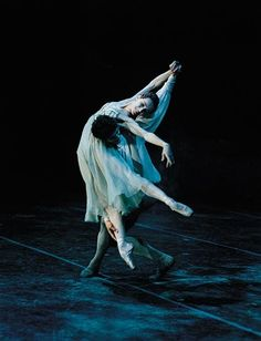 Sylvie Guillem and Jonathan Cope in Romeo and Juliet.