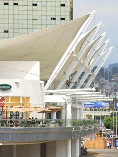 Outstanding Achievement Award in Tensile Structures 600-2300 square meters: Plaza Las Americas