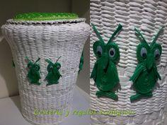 Cesto blanco con búhos, grande  para ropa de niños, tejido con varillas de papel