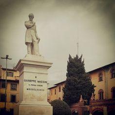 Mazzini, su con le antenne! Pisa (Italy) © Valentino Liberto
