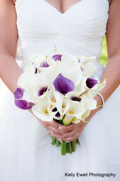 Bridal bouquet of white and purple calla lillies | Rust Manor House in Northern VA | Kelly Ewell Photography