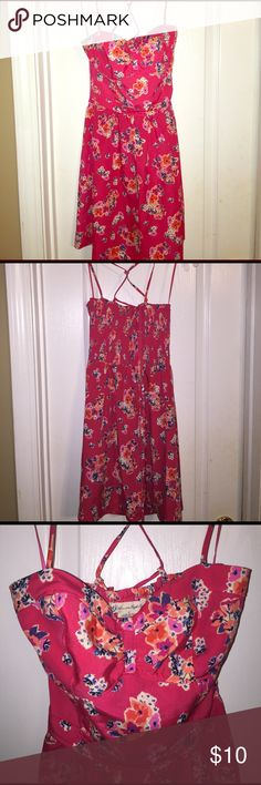 American Eagle Dress Strappy dress that ties in back! Stretchy back! No stains. No liner. American Eagle Outfitters Dresses Mini