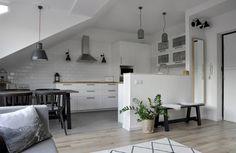 Olvasói otthonok: egy kis tetőtéri skandináv