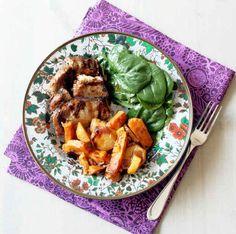 Crockpot de Açúcar Mascavo e Carne de Porco no Azeite Balsâmico. Servido com maçã e batatas assadas