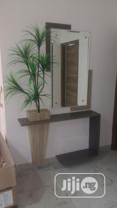 modern console table design ideas with mirror 2019 Home Decor Furniture, Diy Home Decor, Furniture Design, Plywood Furniture, Chair Design, Design Design, Painted Furniture, Modern Furniture, Design Ideas