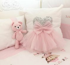 Tatliş – # CoutureForBaby # Diybaby Best Picture For baby room neutral For Your Taste You are looking for something, and it is going to tell you exactly … Cute Pillows, Baby Pillows, Kids Pillows, Sewing For Kids, Baby Sewing, Girls Bedroom, Girl Room, Sewing Pillows, How To Make Pillows