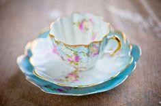❥ blue china teacup  http://pearlandgodiva.com/events/the-china-room/