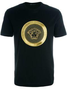 Versace embroidered Medusa T-shirt Versace T-shirt, Geile T-shirts, Shirt Maker, Mens Clothing Styles, Pullover, My T Shirt, Shirt Outfit, Cool T Shirts, Designer