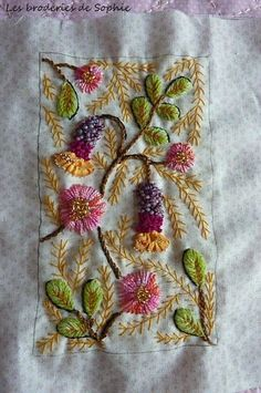 brazilian embroidery how to do Silk Ribbon Embroidery, Crewel Embroidery, Hand Embroidery Patterns, Cross Stitch Embroidery, Embroidery Designs, Embroidery Needles, Art Fil, Bordado Floral, Bordados E Cia
