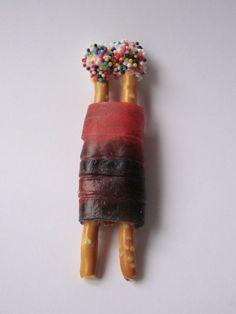 EdibleTorah Craft -- pretzels, fruit roll- ups, frosting and sprinkles