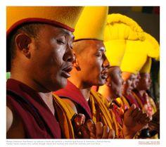 Tibetan monks #mantras #MayaTibet