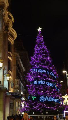 Arbre de Nadal al Portal de l'Angel - Christmas time in Barcelona, Spain